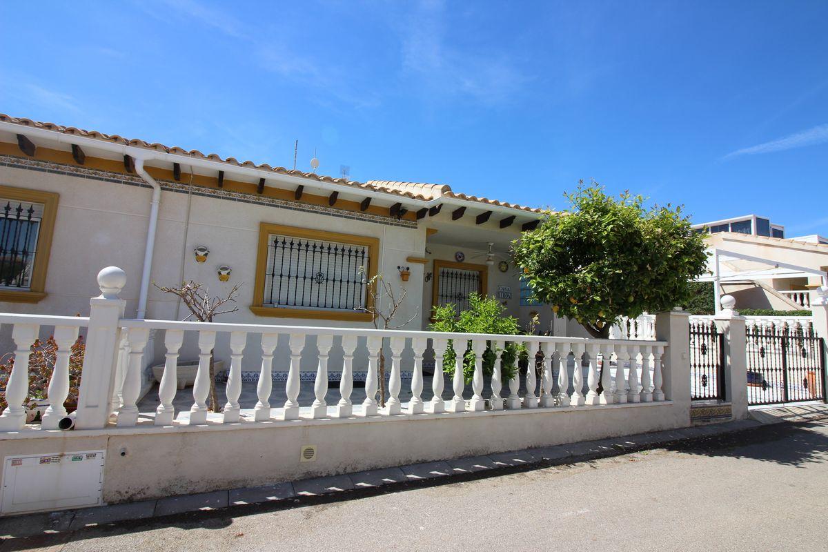 San Jose ´Marbella´ bungalow in great location