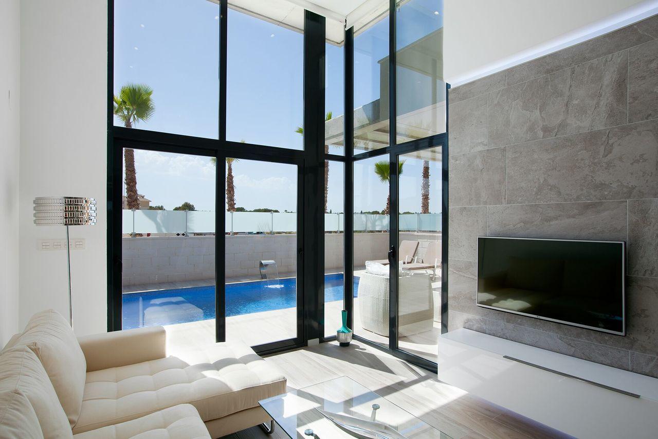 608 Villa Cabo Roig