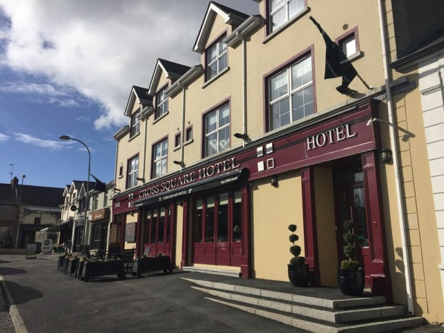 Cross Square Hotel, Crossmaglen